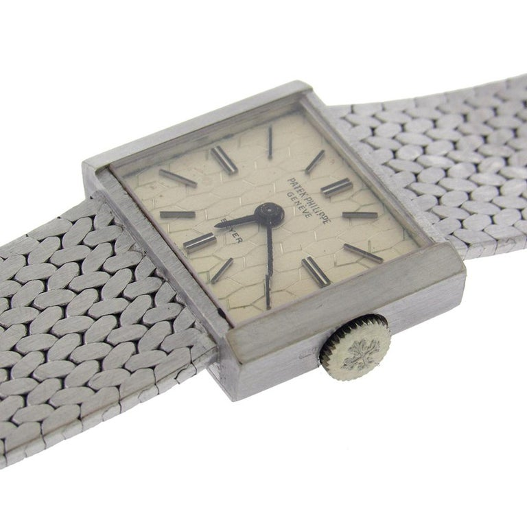 18 Karat White Gold Patek Philippe Ref. 3322/1 For Sale 1