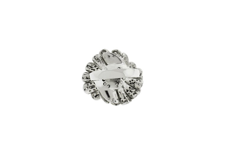 18 Karat White Gold Pave Diamond Flower Cocktail Ring In New Condition For Sale In New York, NY