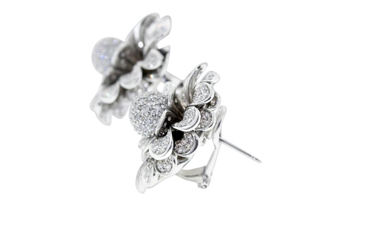 Contemporary 18 Karat White Gold Pave Diamond Flower Earring Clips For Sale