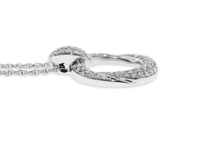 18 Karat White Gold Pave Diamond Link Pendant Necklace In New Condition For Sale In New York, NY