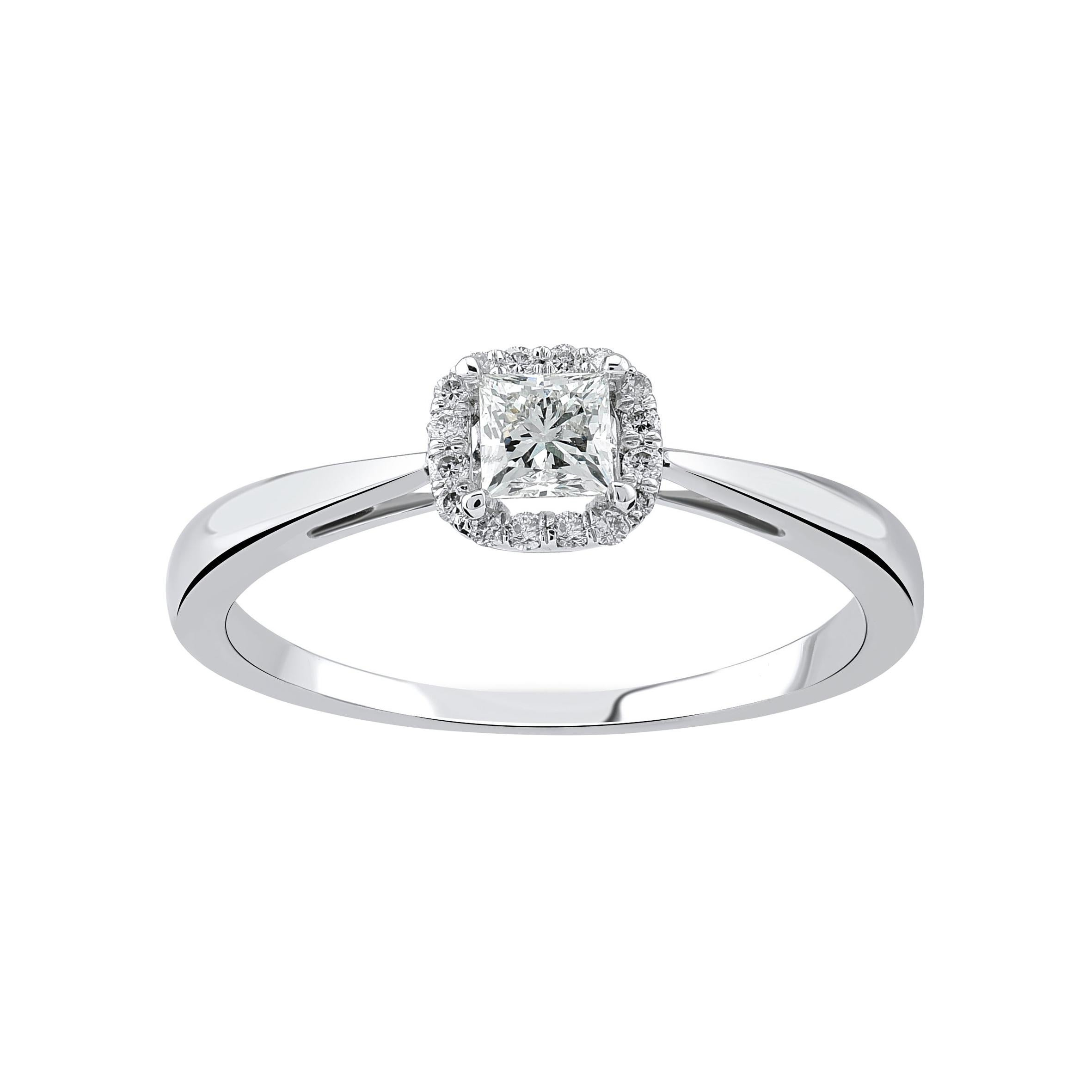 18k White Gold Ring with Princess-Cut and Round-Cut Diamonds