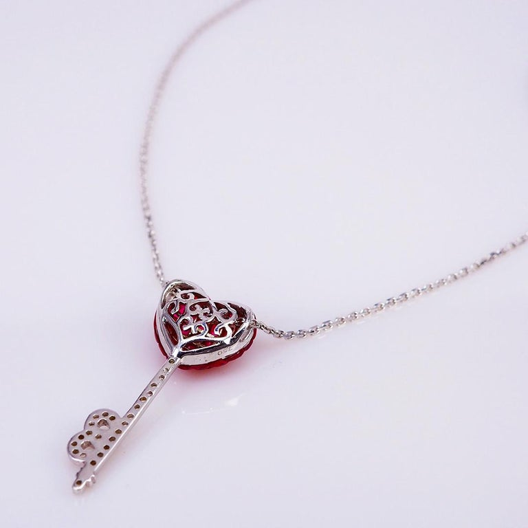 Round Cut 18 Karat White Gold Ruby and Diamond Pendant Necklace Heart Key For Sale