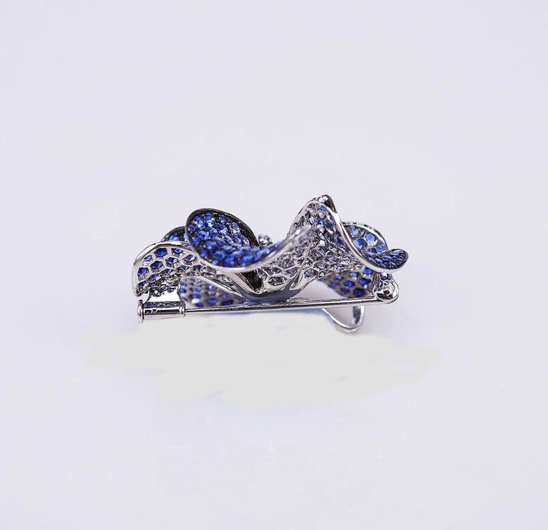 Round Cut 18 Karat White Gold Sapphire Pave Setting Brooch For Sale