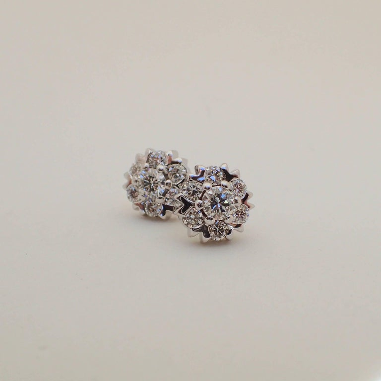 Women's or Men's 18 Karat White Gold Snowflake Style Earrings with 1.42 Carat of Diamond For Sale