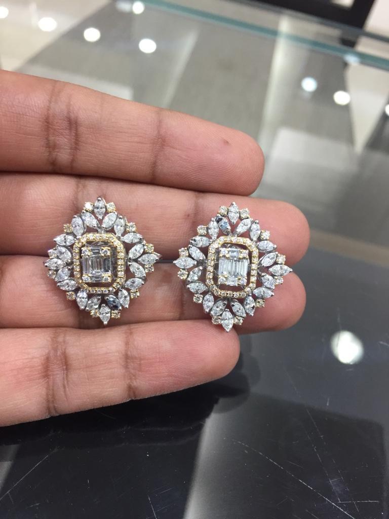 Modern 18 Karat White Gold White Diamond Stud Earrings For Sale