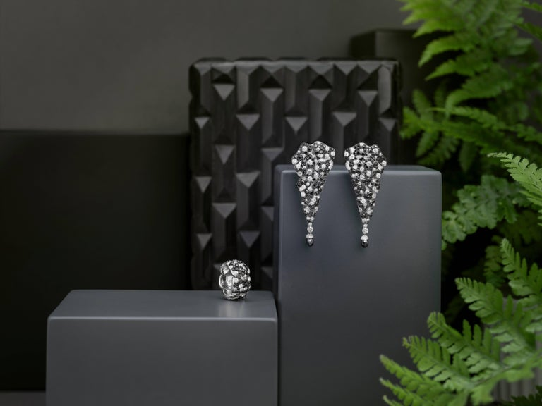 Legends of Africa Our iconic heritage collection.   Vania celebrates the beauty and strength of her African homeland with intricate designs, infused with the intensity of the finest emeralds and exquisite diamonds. This collection was conceived in