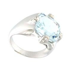 18k White Gold with Aquamarine and White Diamonds Ring
