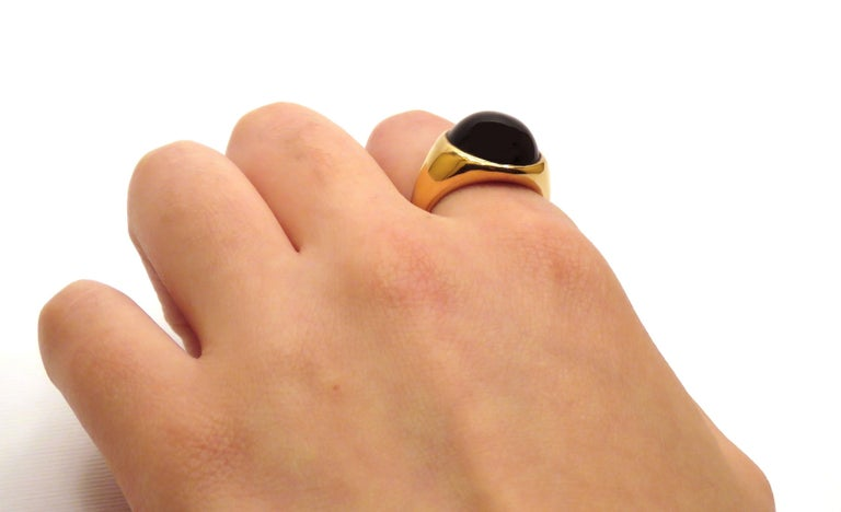 18 Karat White Rose Gold Onyx Ring Modern In New Condition For Sale In Milano, IT