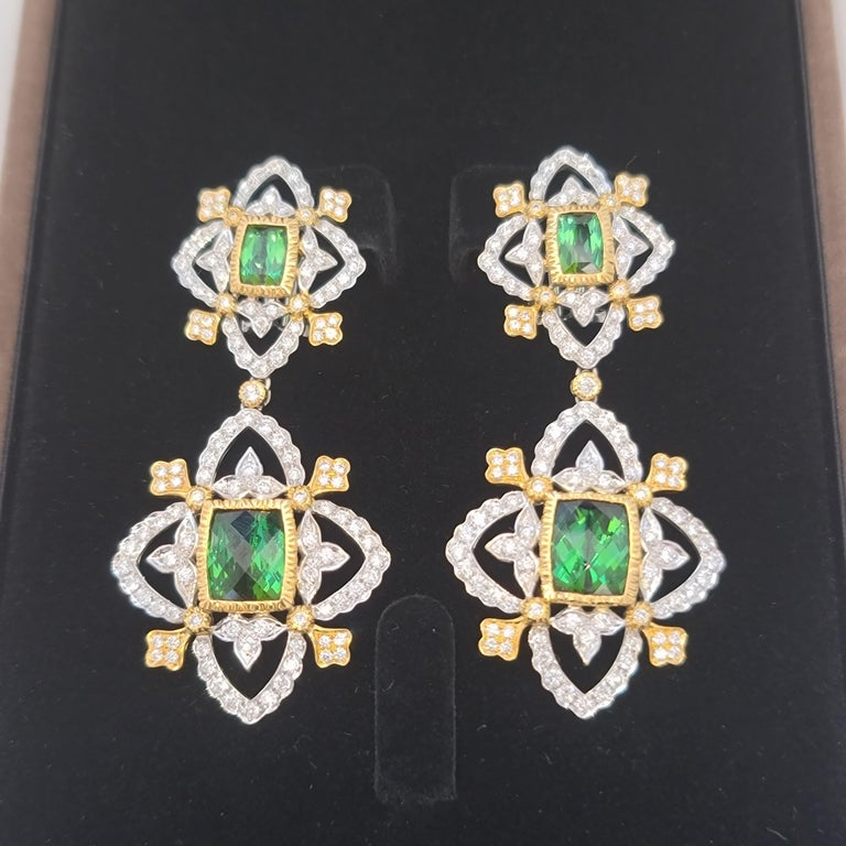 18K WY Gold Diamonds and Green Tourmaline Goddess Drop Dangle Earrings One Piece In New Condition For Sale In Hong Kong, HK