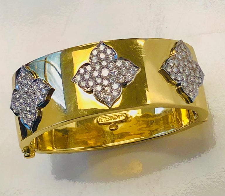 18 Karat Yellow and White Gold Diamond Cuff-Bangle Bracelet In New Condition For Sale In New York, NY
