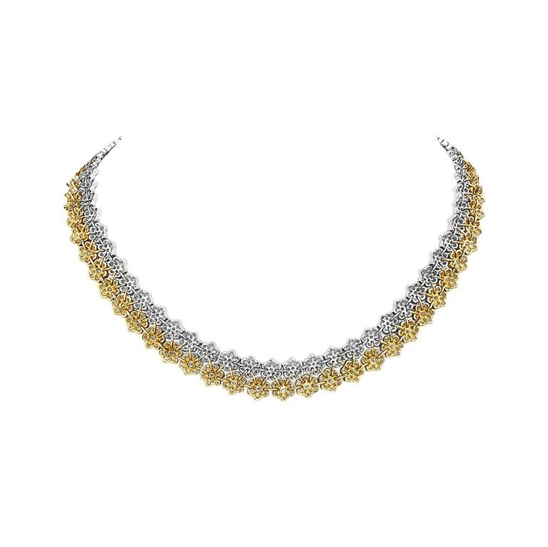 Contemporary 18 Karat Yellow and White Gold Diamond Flower Necklace For Sale