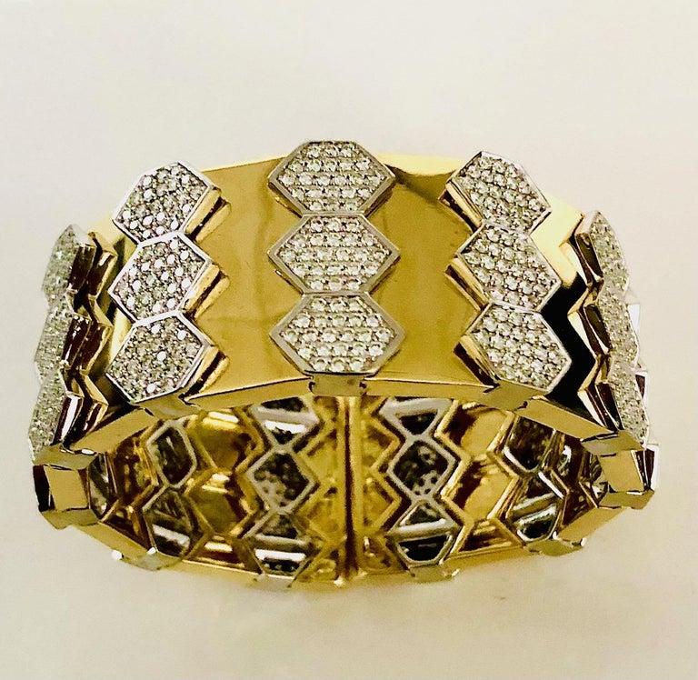 18 Karat Yellow and White Gold Diamond Spring Bangle Bracelet For Sale 1