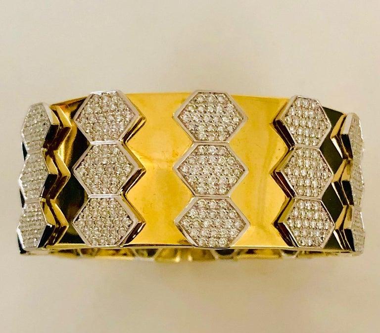 18 Karat Yellow and White Gold Diamond Spring Bangle Bracelet For Sale 3