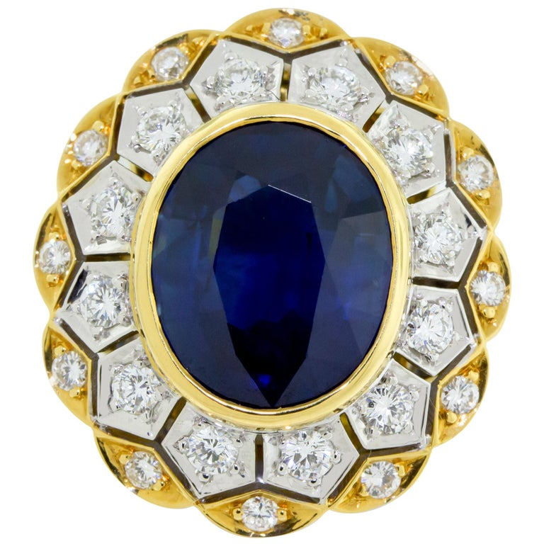 18 Karat Yellow and White Gold Sapphire and Diamond Ring For Sale