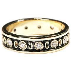 18 Karat Yellow Gold 0.35 Carat Round Diamond Band Ring US Size 5