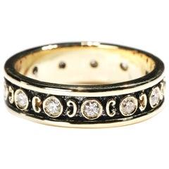 18 Karat Yellow Gold 0.35 Carat Round Diamond Band Ring US Size 7