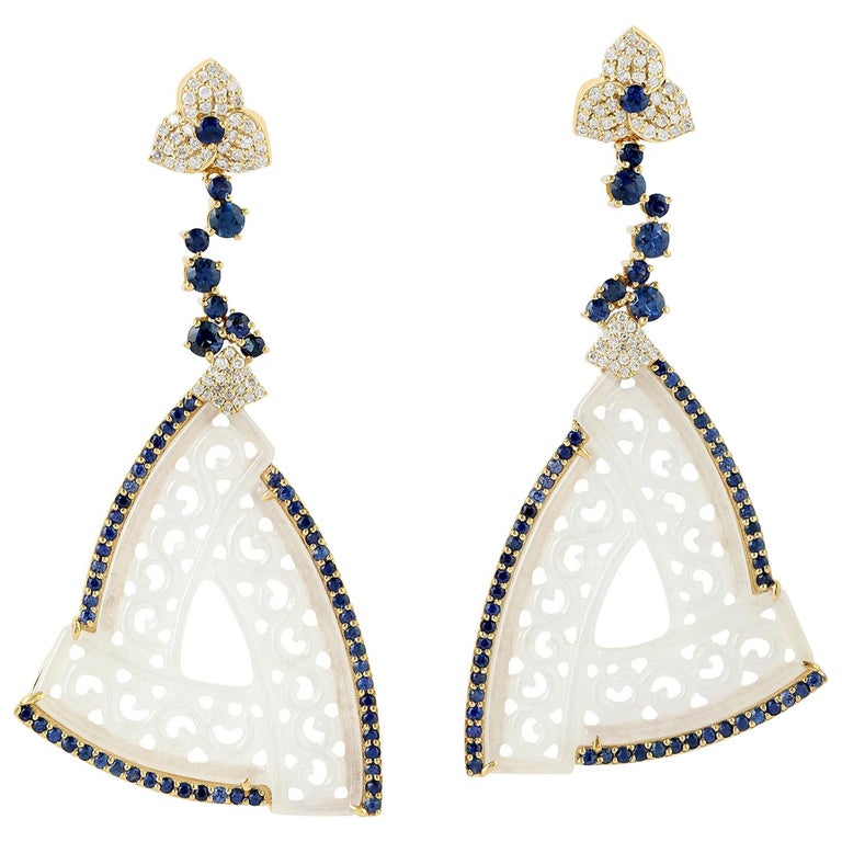 18k Yellow Gold 0.63ct Diamond 2.9ct Sapphire 27.5ct Jade Carving Dangle Earring For Sale