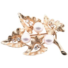 18 Karat Yellow Gold Akoya Cultured Pearl and White Sapphires Leaf Pin
