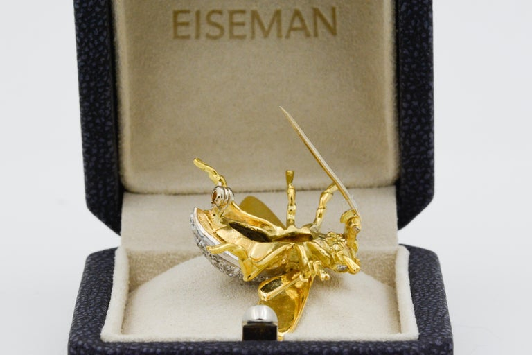 Women's 18 Karat Yellow Gold and Diamond Fly Pin For Sale