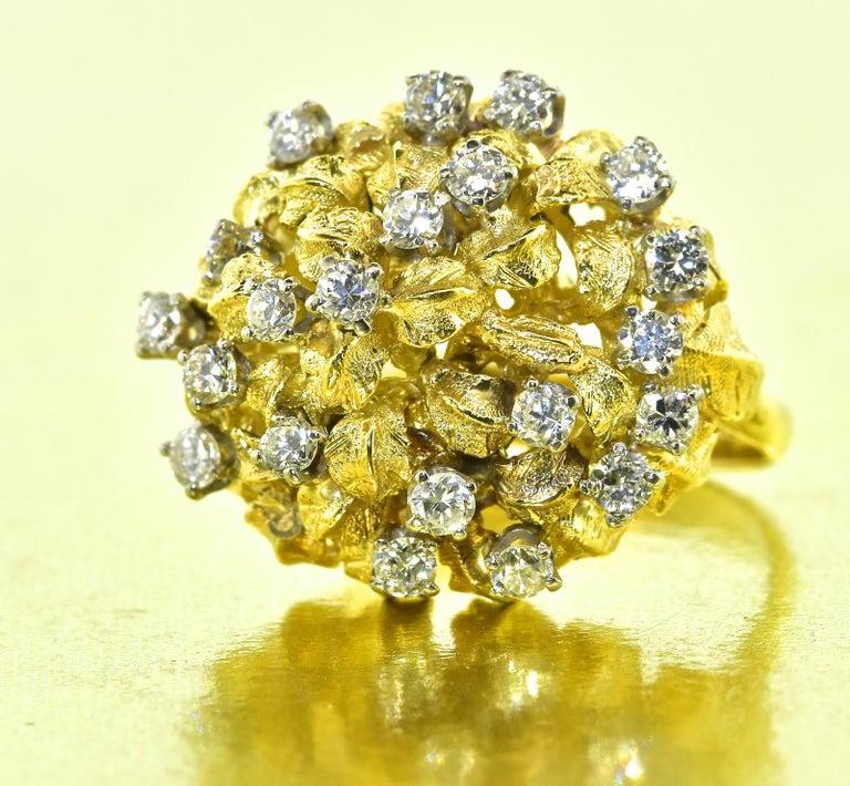 18 Karat Yellow Gold and Diamond Vintage Ring, circa 1960 For Sale 4