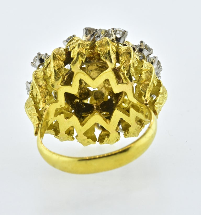 18 Karat Yellow Gold and Diamond Vintage Ring, circa 1960 For Sale 6