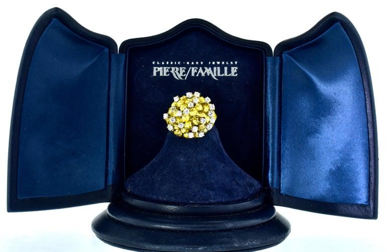 Brilliant Cut 18 Karat Yellow Gold and Diamond Vintage Ring, circa 1960 For Sale