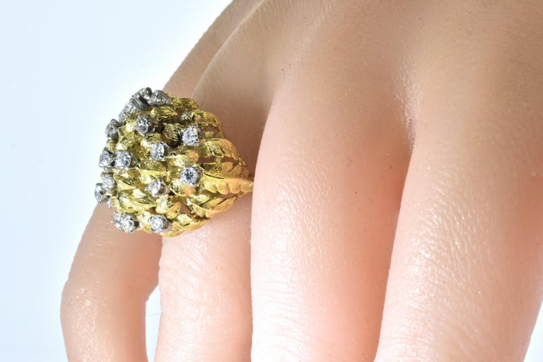 18 Karat Yellow Gold and Diamond Vintage Ring, circa 1960 For Sale 3