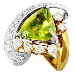 18 Karat Yellow Gold and Platinum Diamond and Trillion Peridot Large Ring