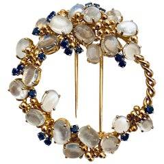 18k Yellow Gold Brooch Set with Moonstones & Saphires, Signed Kern Germany 1960
