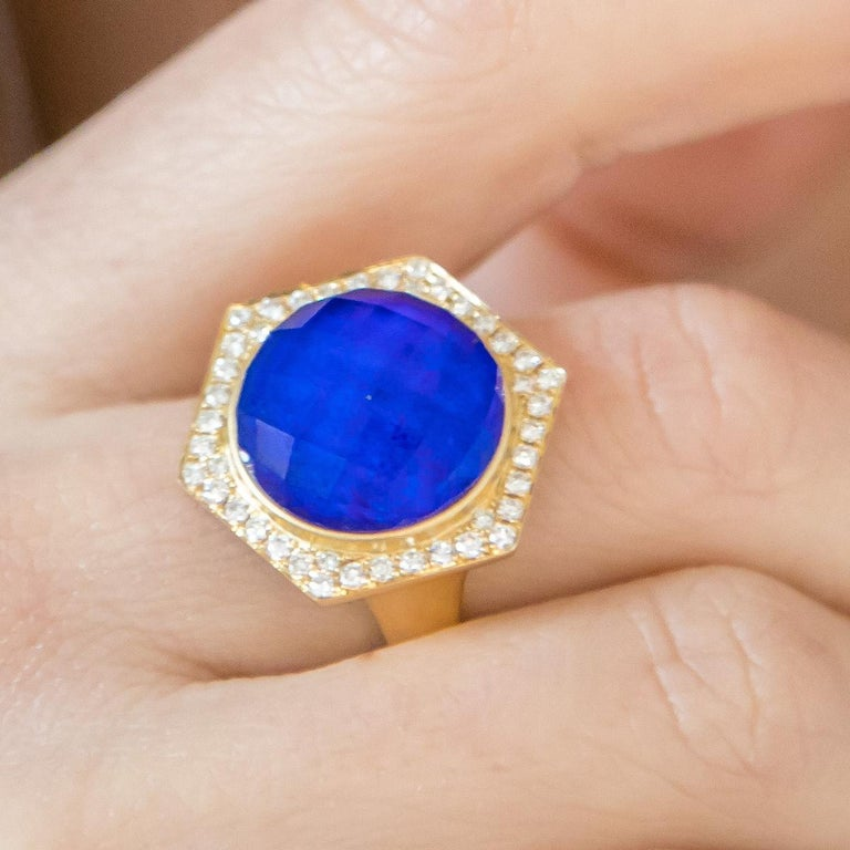 Contemporary 18K Yellow Gold Cocktail Ring with Lapis Lazuli Rock Crystal Quartz and Diamonds For Sale