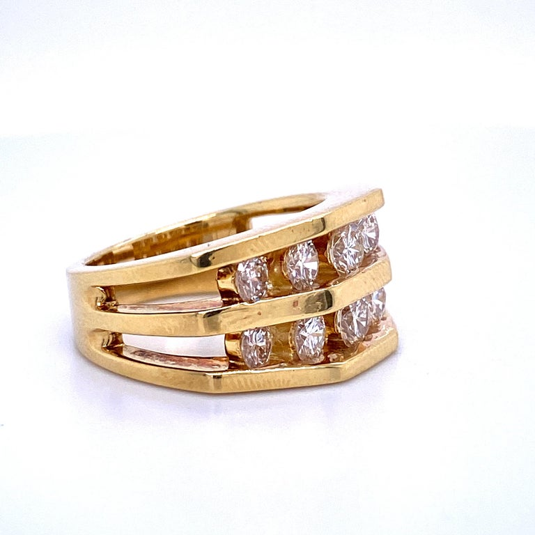 Round Cut 18 Karat Yellow Gold Diamond Openwork Ring 1.65 Carat For Sale