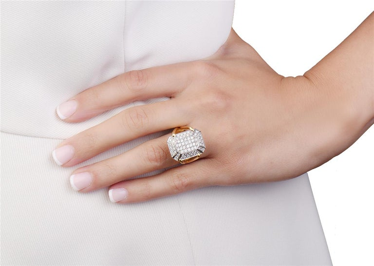Round Cut 18 Karat Yellow Gold Diamond Pave Cocktail Ring For Sale