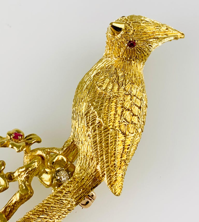 18 Karat Yellow Gold Diamond and Ruby Bird Brooch / Pin For Sale 6