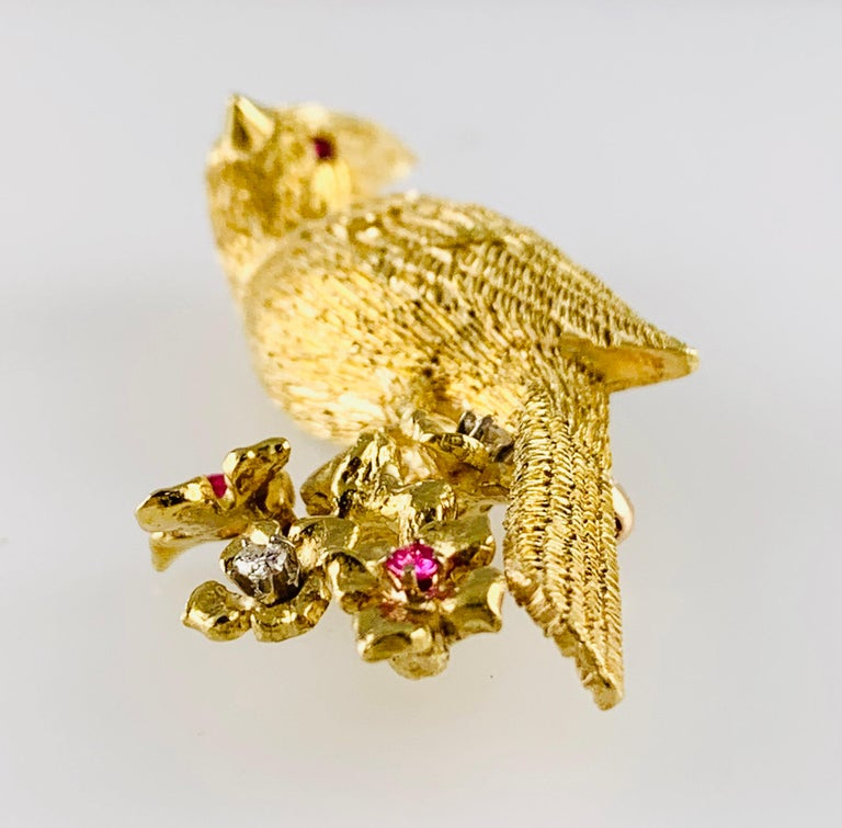 18 Karat Yellow Gold Diamond and Ruby Bird Brooch / Pin For Sale 2