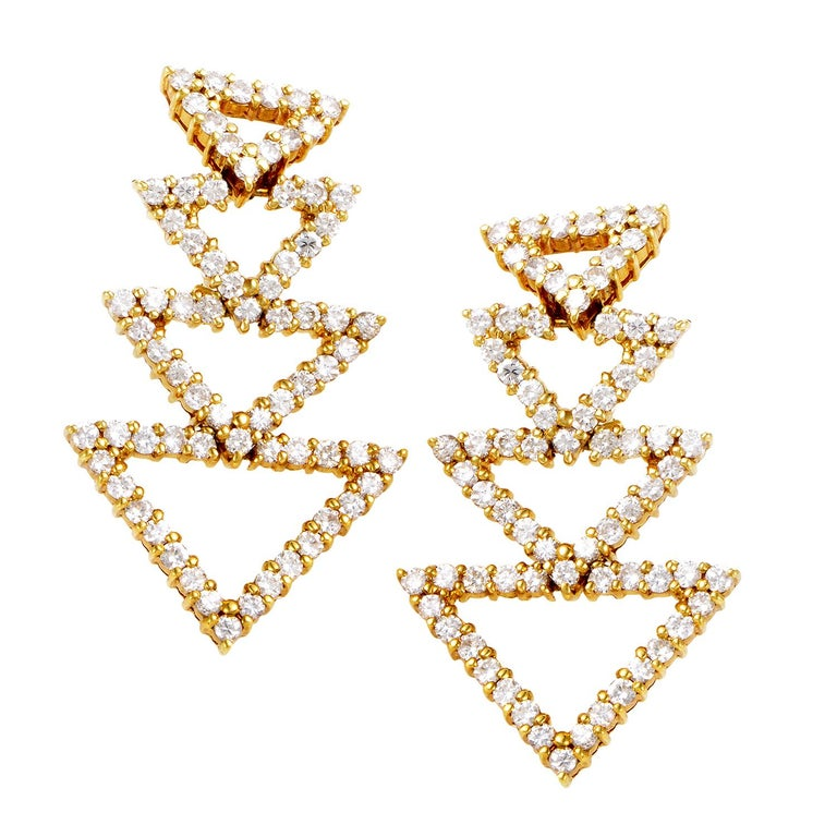 18 Karat Yellow Gold Diamond Triangle Earrings ST-12 In New Condition In Southampton, PA