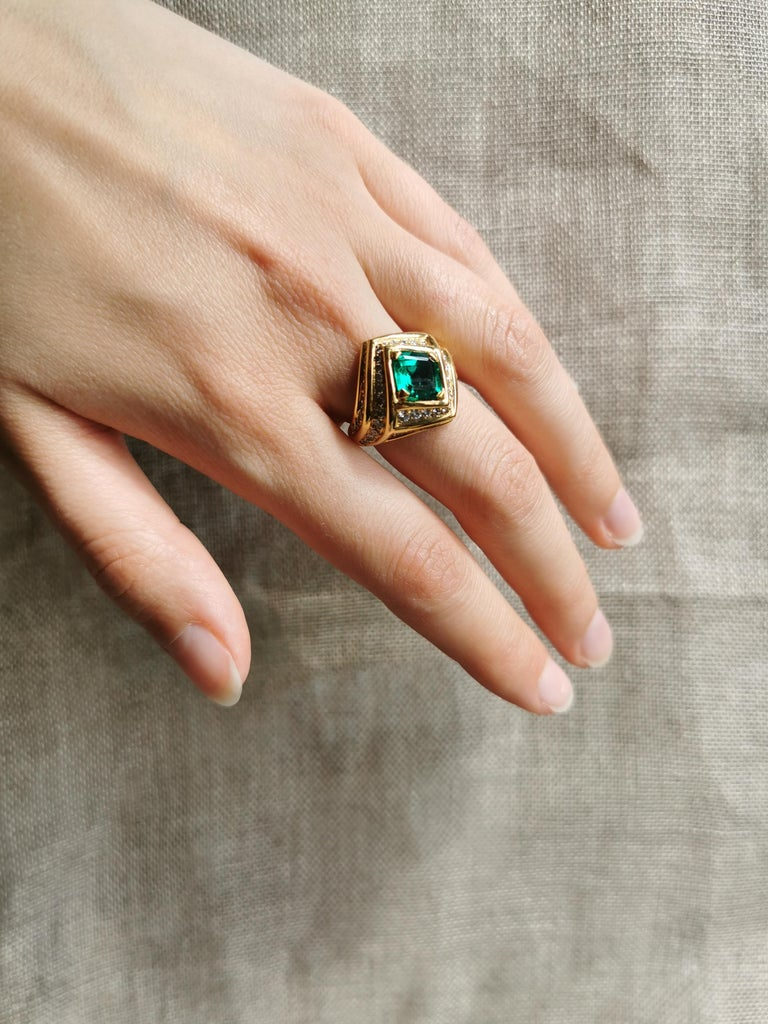 Emerald Cut 18K Yellow gold, Emerald 1,23 carats and Diamond Ring by Marion Jeantet For Sale