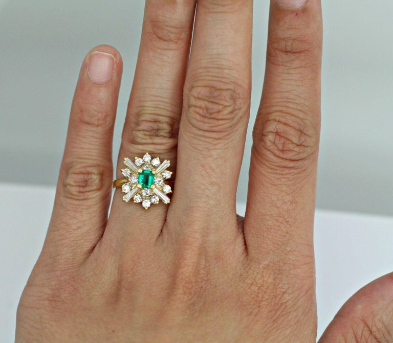 18k Yellow Gold Emerald and Diamond Ballerina Ring In Excellent Condition For Sale In Los Angeles, CA