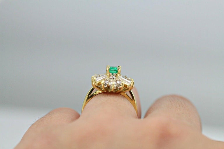 Women's or Men's 18k Yellow Gold Emerald and Diamond Ballerina Ring For Sale