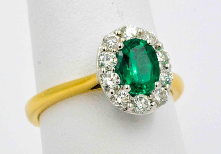 18 Karat Yellow Gold Emerald and Diamond Halo Engagement Ring In New Condition For Sale In Dallas, TX