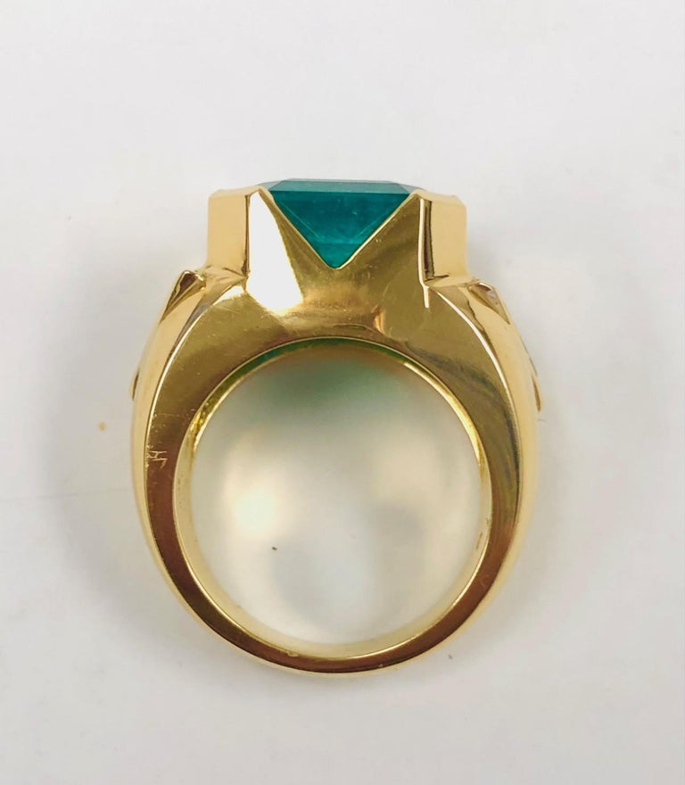 18K Yellow Gold, 8.41 CT Colombian Emerald and Diamond Special Ring For Sale 4