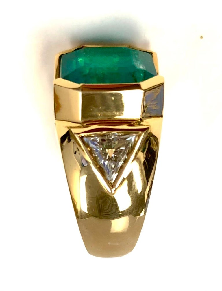 18K Yellow Gold, 8.41 CT Colombian Emerald and Diamond Special Ring For Sale 6