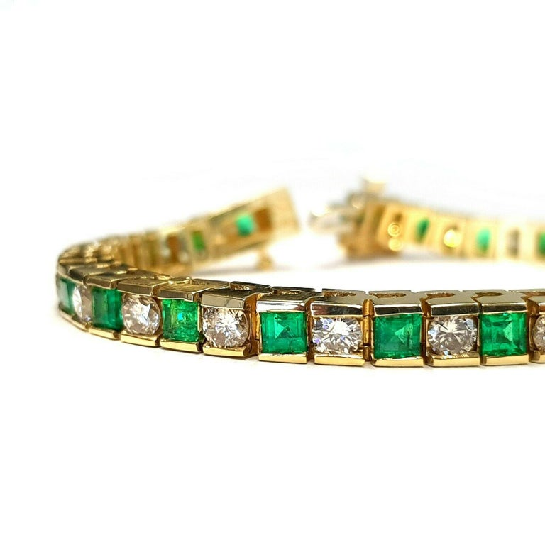 This is very beautiful 14k yellow gold custom made bracelet with very clean princess cut emeralds and round diamonds.  the bracelet is 6.5 inches long. Specifications:  •	main stone: EMERALD  6 ct/ 24 PCS  •	additional: DIAMONDS  •	diamonds: 24 PCS