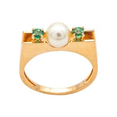 18k Yellow Gold Emeralds and Pearl Ring