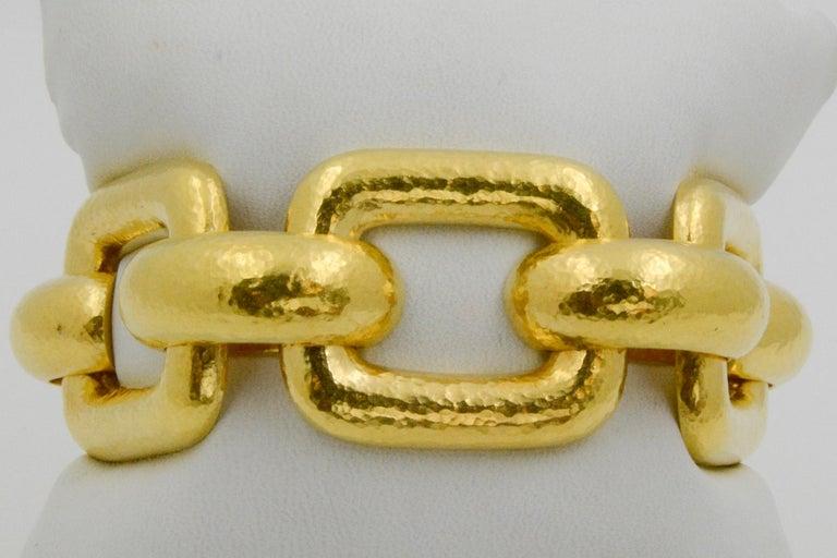 Women's Elizabeth Locke 18 Karat Yellow Gold Hammered  Rectangular Link Bracelet For Sale