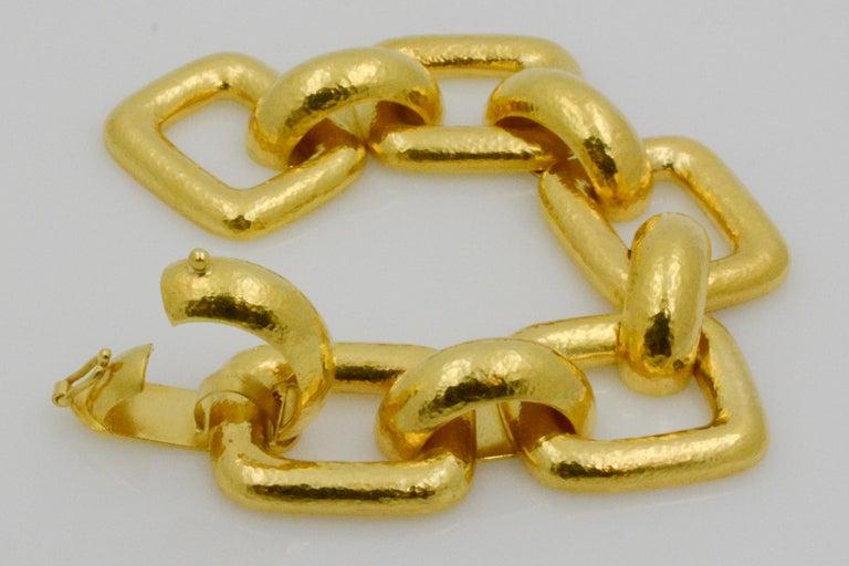 Elizabeth Locke 18 Karat Yellow Gold Hammered  Rectangular Link Bracelet For Sale 1