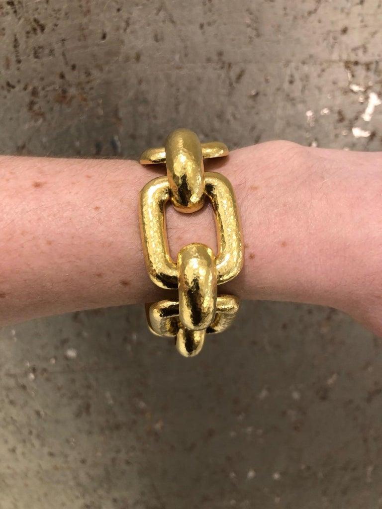Elizabeth Locke 18 Karat Yellow Gold Hammered  Rectangular Link Bracelet For Sale 5
