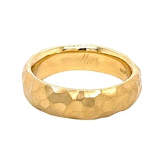 18k Yellow Gold Hammered Men's Band