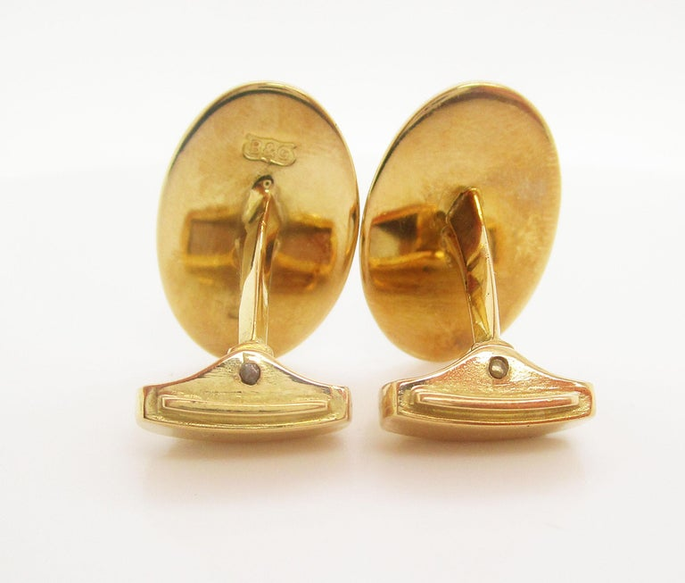18 Karat Yellow Gold Hand Painted Bobby Jones Golfer Cufflinks For Sale 3