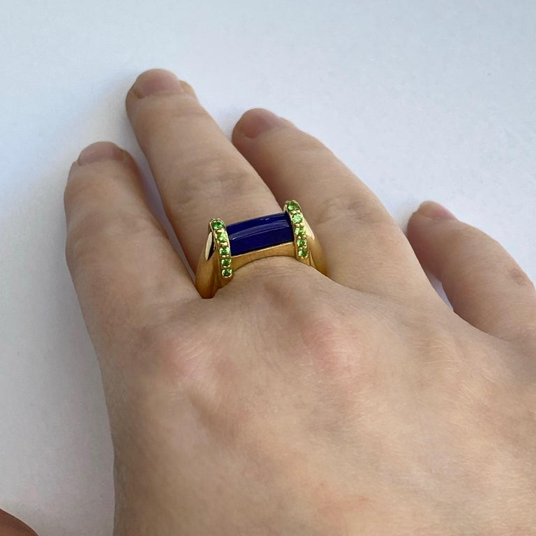 18 Karat Yellow Gold Lapis Lazuli and Tsavorite Garnet Ring In New Condition For Sale In Greenville, SC