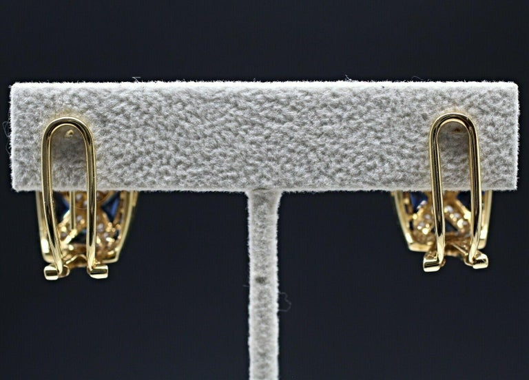 18 Karat Yellow Gold Levian Blue Sapphire and Diamond Earrings In Excellent Condition For Sale In Los Angeles, CA